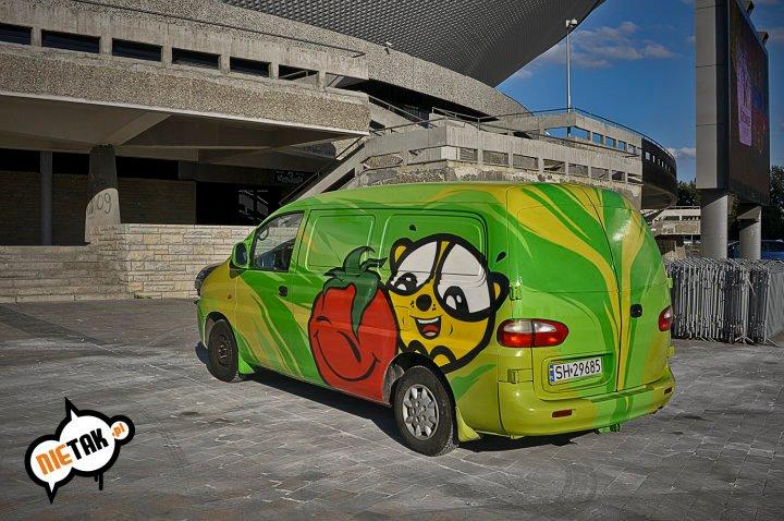 Artystyczne malowanie samochodów – dobry sposób na reklamę