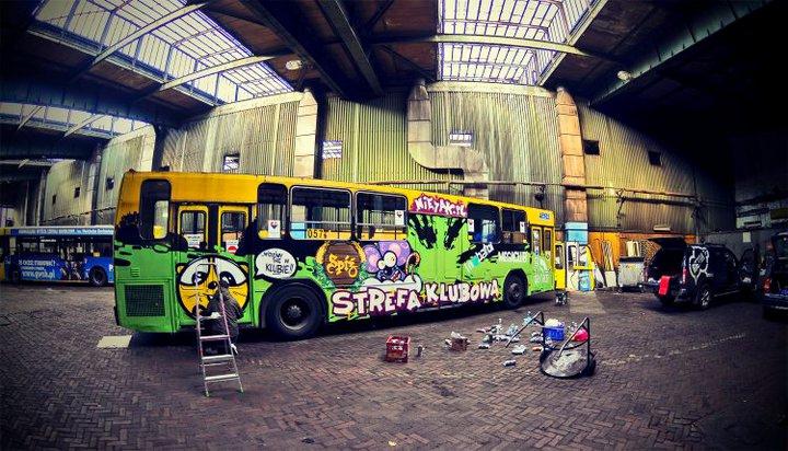 Nowa forma reklamy na autobusach!