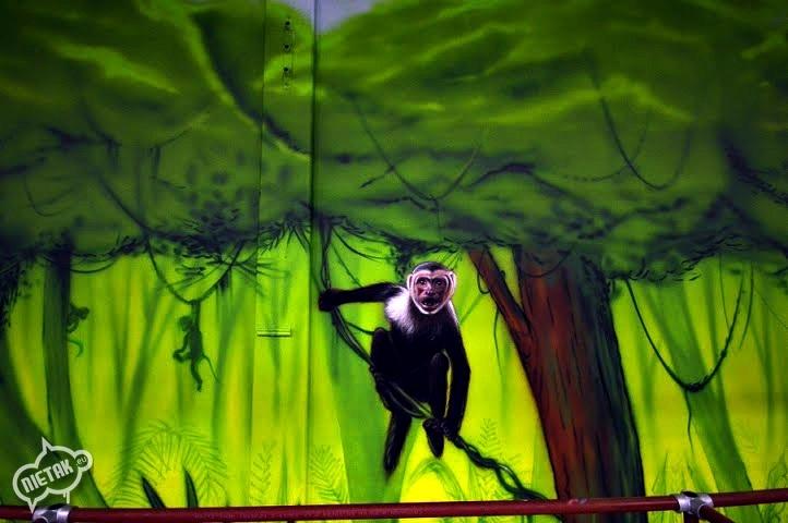 plac zabaw, malowanie dla dzieci,malowanie bawialni,nietak.eu,malowanie artystyczne,aerograf,airbrush,malowanie dżungli,dżungla,malowanie pokoji,graffiti,street-art,bawialnia (19)
