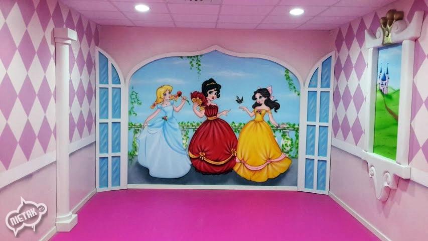Tematyczny pokój zabaw dla dzieci.