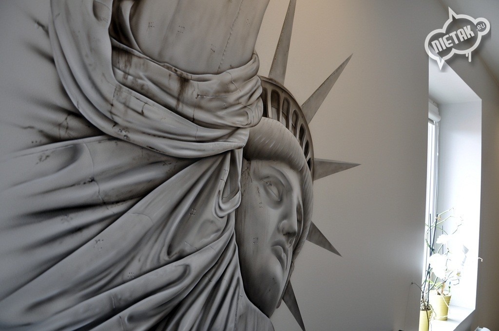Statue of Liberty graffiti, statua wolności, graffiti, street-art,malowanie w pokoju , nietak.eu