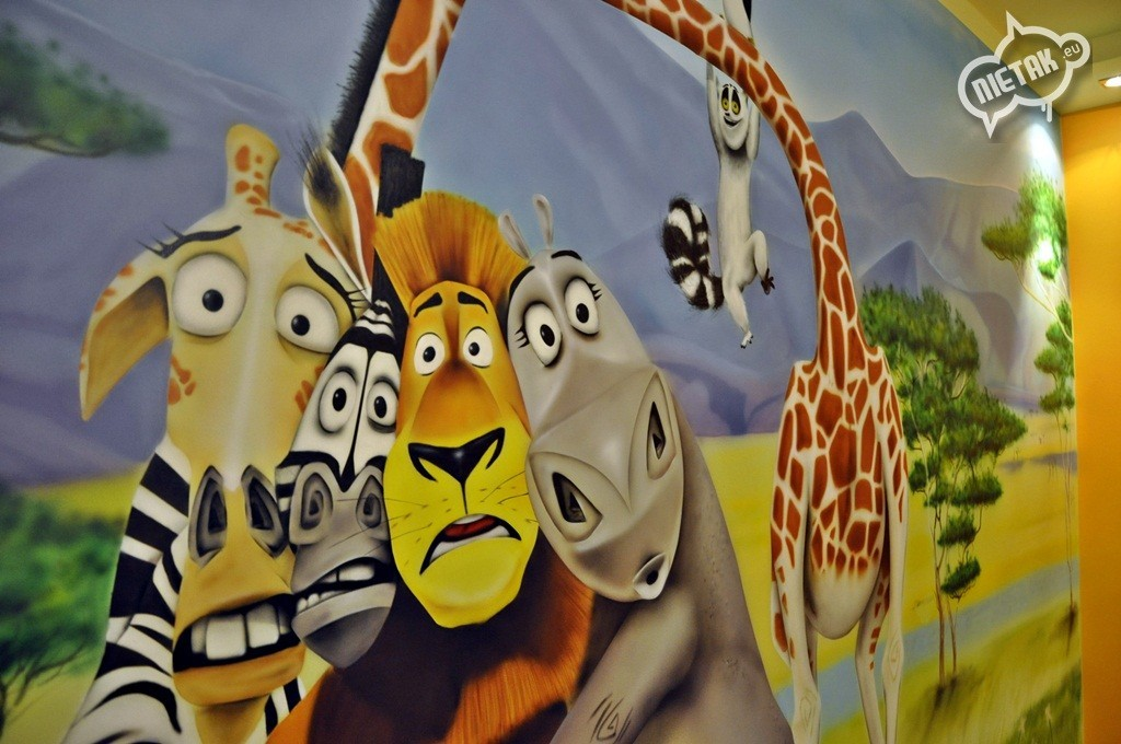 malowanie mieszkań , malowanie artystyczne , nietak , malowanie pokoi , magadaskar graffiti , aerograf w pokoju , warsztaty graffiti , aerograf, airbrush magadascar , zwierzaki , chorzów, zebra