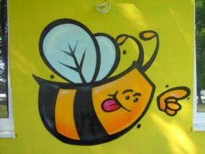 pszczoła, osa, graffiti