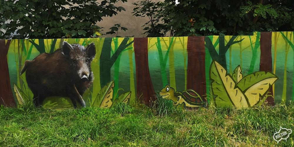 Mural z motywem przyrody w Kochłowicach - Nietak.eu