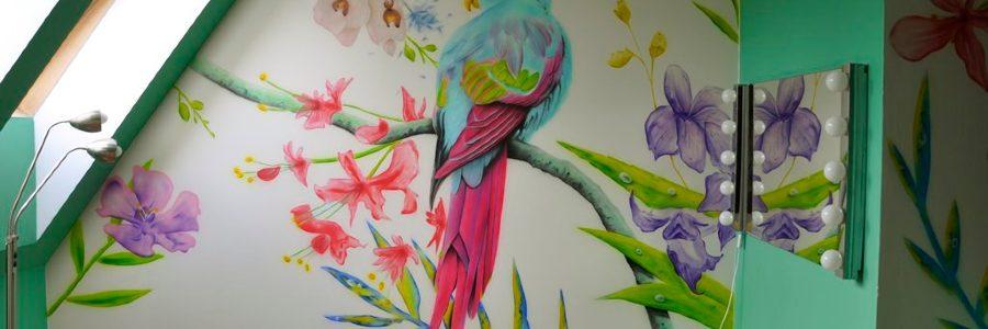 Malowanie obrazów na ścianach – niebanalny sposób wystroju wnętrza