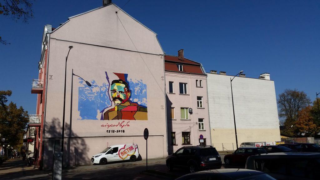 mural przeciwsmogowy na elewacji budynku
